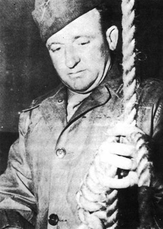 Master-Sergeant Woods readies the Gallows at Nuremberg in 1946